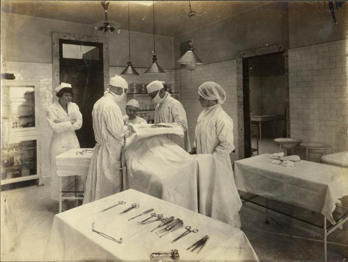 operating-room-c-1920s